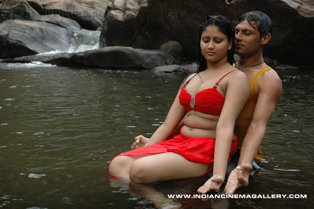 Machakanni Tamil Hot Movie Sexy Photos Gallery  -1086