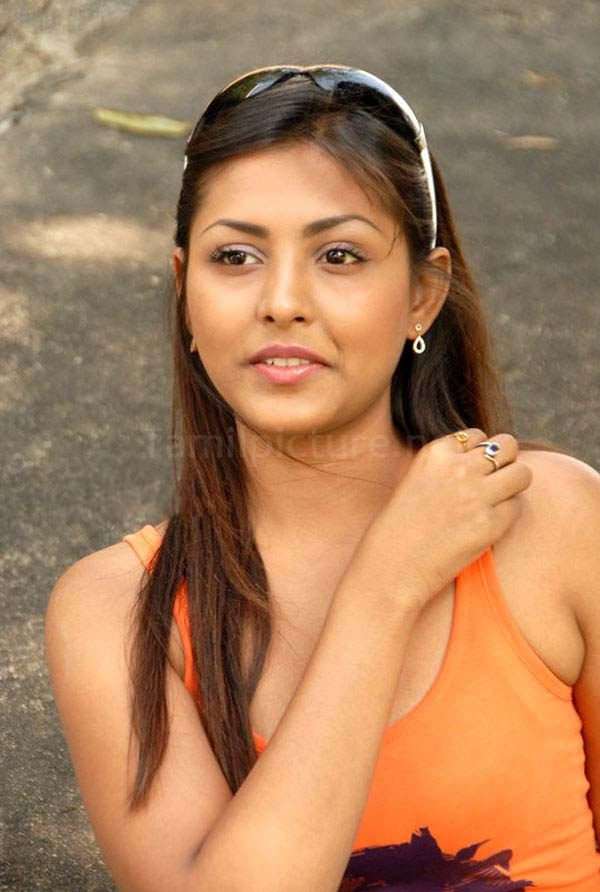telugu actress madhu shalini - photo #37