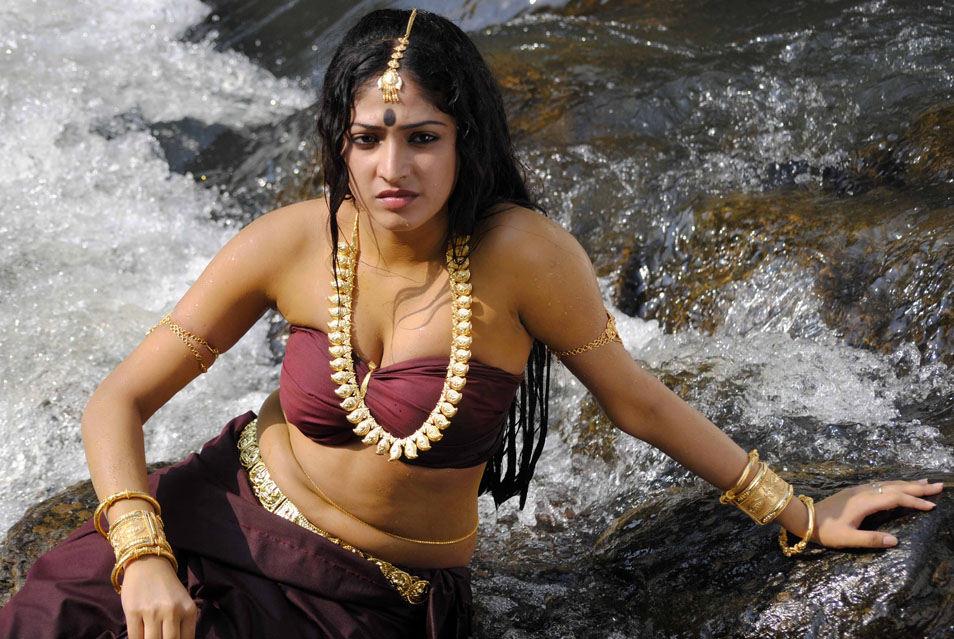 Haripriya Hot And Sexy Photo Gallery Navel,Cleavage And