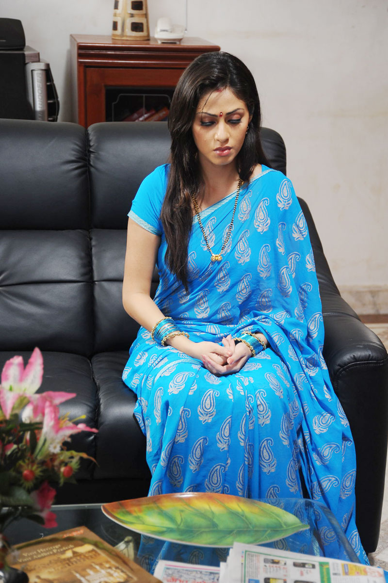 "sada look cute and homely in blue saree | ""tamil south"" - tamil"