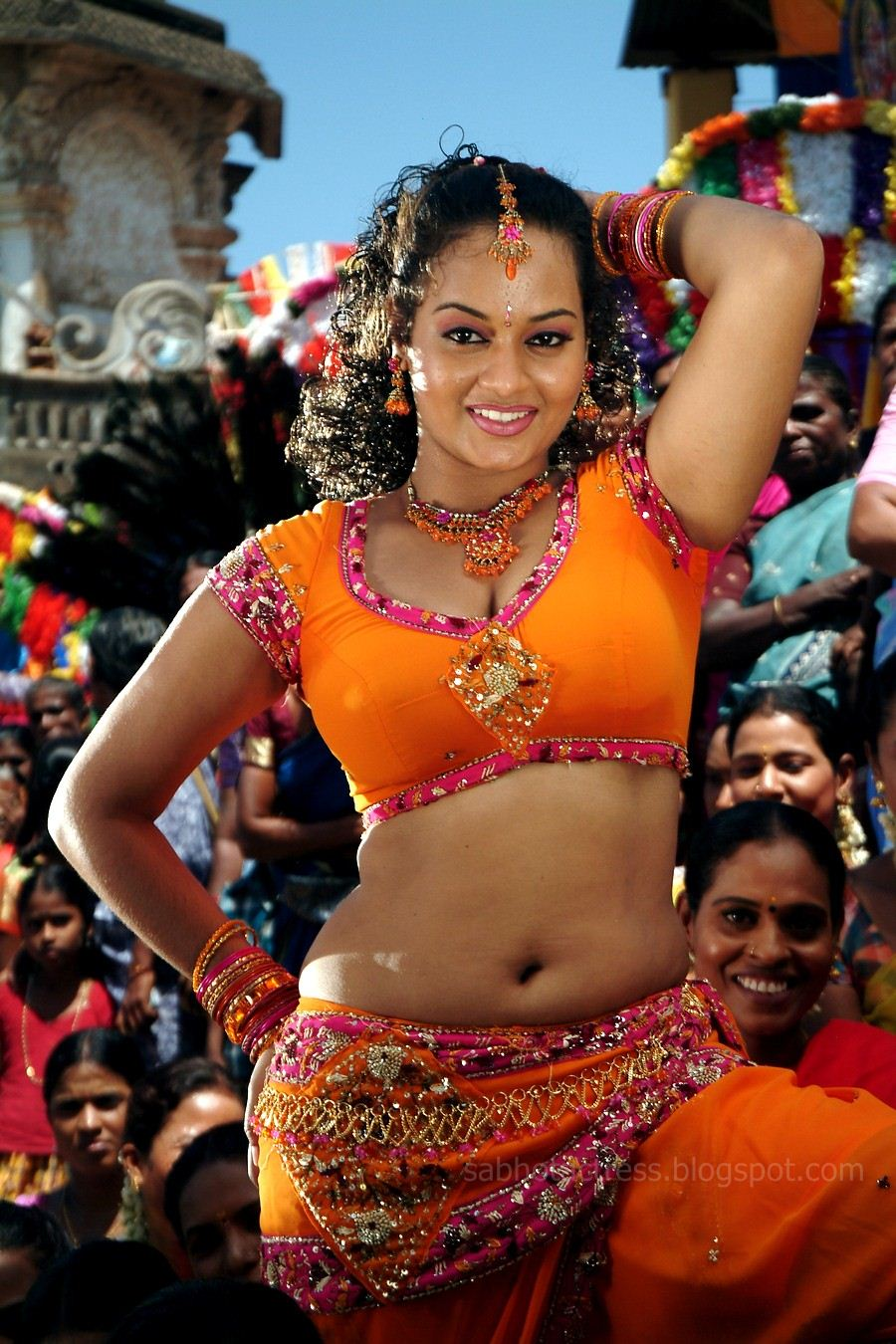 Suja Hot Navel And Cleavage Show For Sexy Item Songs -4716