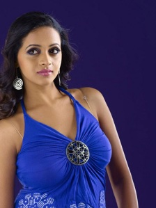 Bhavana New Stills cleavage