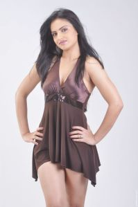 Actress Ritu Kaur Hot Photos and Stills hot images