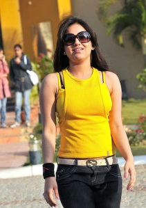 Cute actree Aksha new Yellow dress pics from Ade nuvve gallery pictures